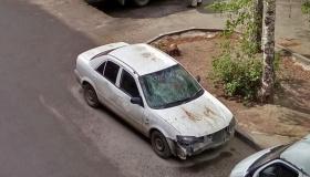 Штраф за битые машины во дворе – у частного дома тоже нельзя ставить?